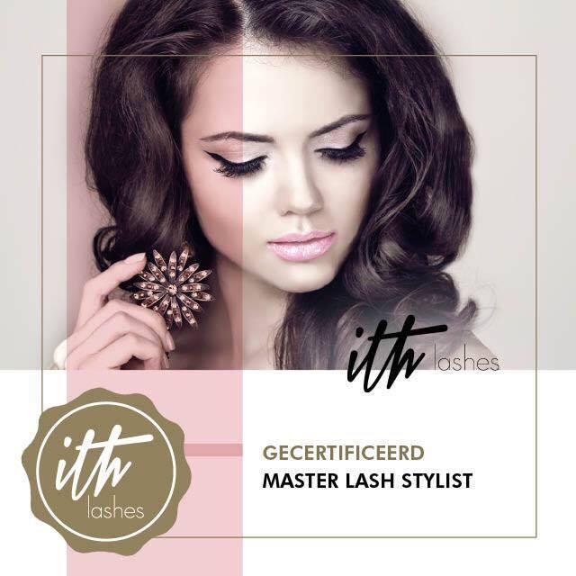master lash stylist